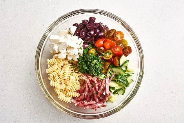 İtalyan Makarna Salatasının Hazırlanışı