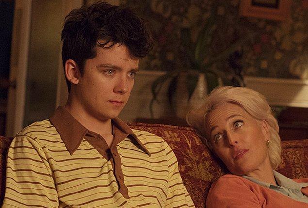 Dizide, 'Dr. Jean F. Milburn' adıyla, Otis karakterinin annesi rolündedir.