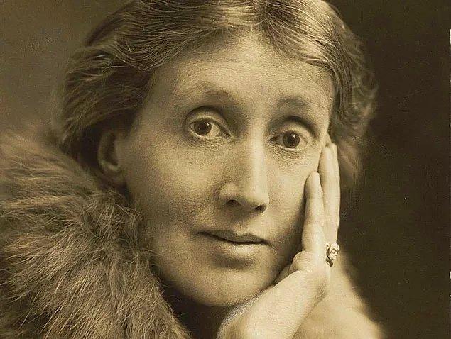 5. Feminizm ve edebiyat tarihinin önemli isimlerinden Virginia Woolf'un ilk romanı 'Dışa Yolculuk' kaç yılında yayımlanmıştır?