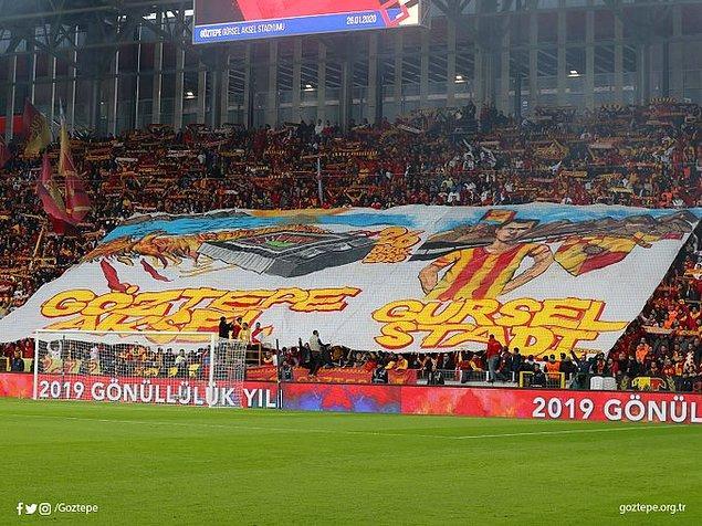 Göztepe, yeni stadı Gürsel Aksel Stadyumu'nda ilk maçına çıktı.