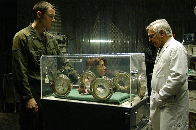 4. Battlestar Galactica (2004–2009)