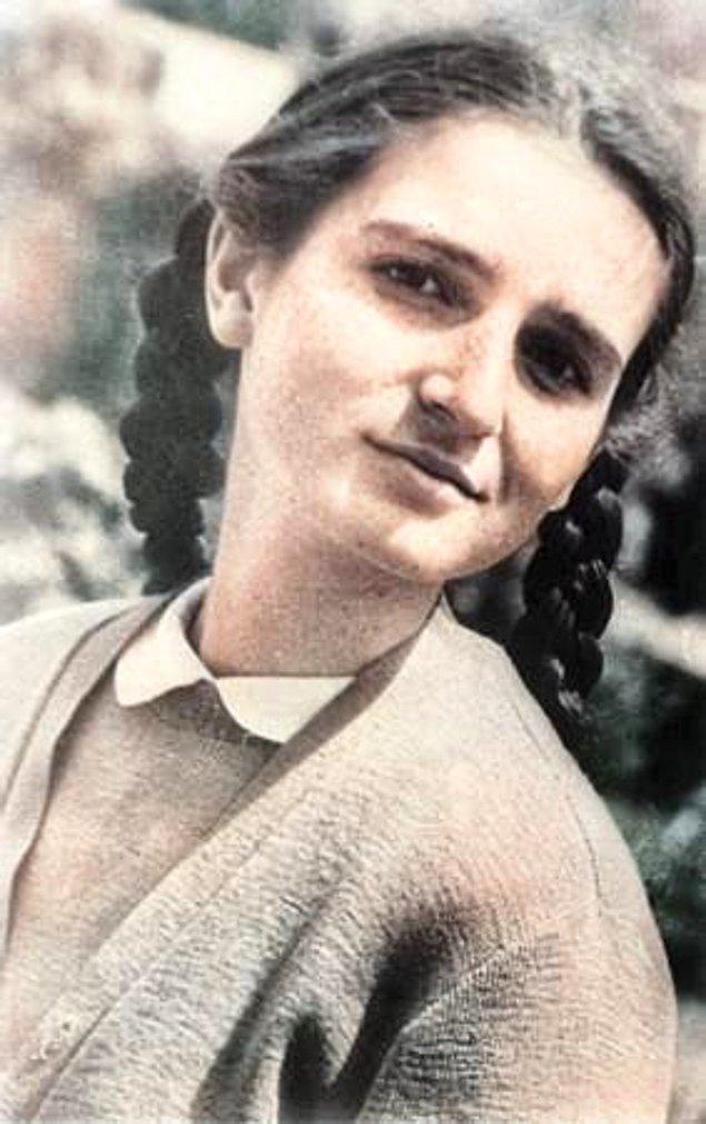 9. Tıp doktoru, akademisyen ve yazar Türkan Saylan, İstanbul, 1953.