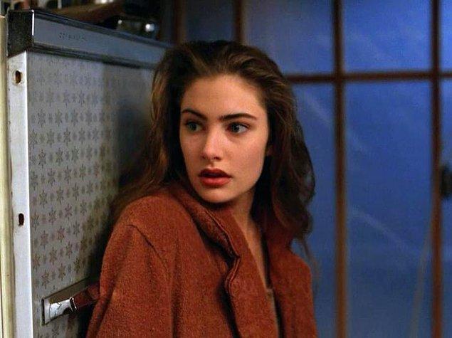 5. Twin Peaks (1990 – 1991)