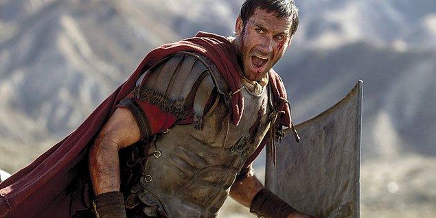 16. Kolezyum açıldığında gladyatör savaşları bir spor olarak yasallaştı. Savaşçılar yetenekleri, silahları ve deneyimlerine göre sınıflandırıldı.