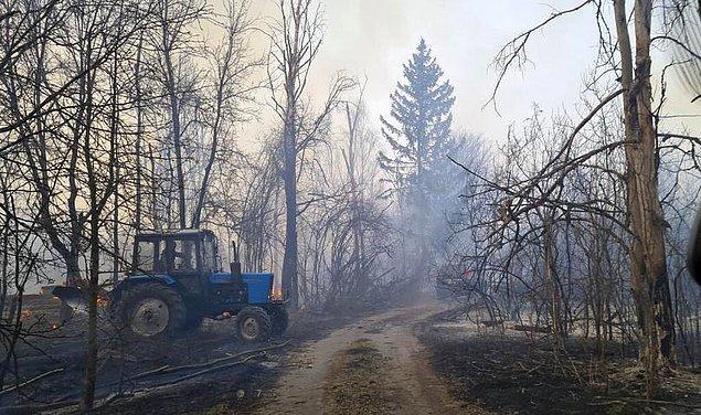 Firsov, söz konusu bölgeye yaklaşık 100 kilometre uzaklıkta olan başkent Kiev'de ise radyasyon seviyesinin olağan seviyede olduğunu ve bu yönüyle herhangi bir tehlike görülmediğini de sözlerine ekledi.
