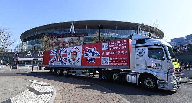 6. İngiltere Premier Lig ekibi Arsenal, yeni tip koronavirüsle (Kovid-19) mücadelede ihtiyaç sahiplerine dağıtılmak üzere 15 ton yardım malzemesi bağışında bulundu.