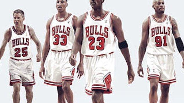 Jordan öncesinde bitik bir takım imajı çizen ve hatta Chicago'da alay konusu olan, oldukça başarısız olan Chicago Bulls'a tanık oluyoruz.