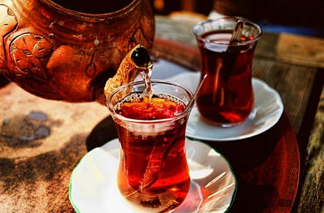 Çayınızı olabildiğince ocakta yapmaya veya çay makinenizi tedbirli kullanmaya çalışın. Çayı sıcak tutmak için saatlerce çalışan çay makinesi, günde 5-6 saat çalıştığında size sağlam bir fatura kalemi olarak döner.