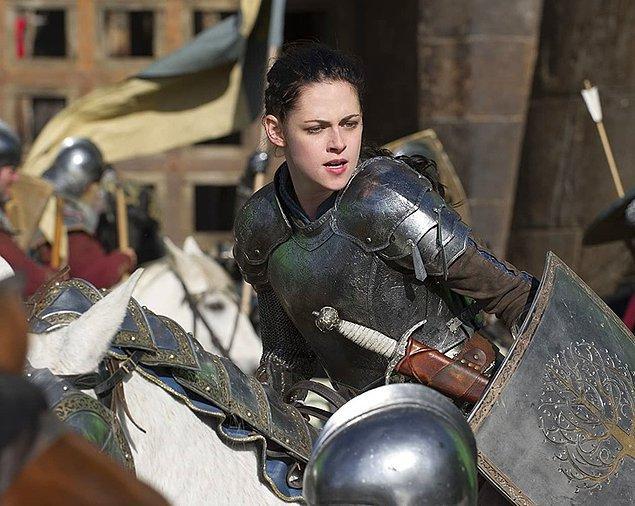 6. Kristen Stewart - Ata binme korkusu ('Snow White and the Huntsman')