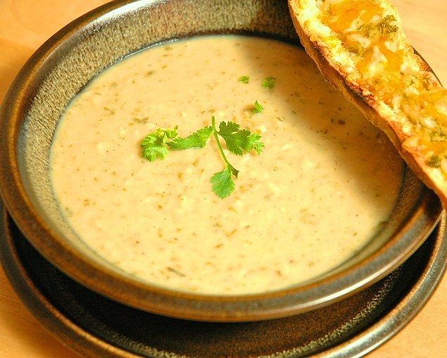 10. Taneli çorba sevmeyenlere: Kuru Fasulye Çorbası