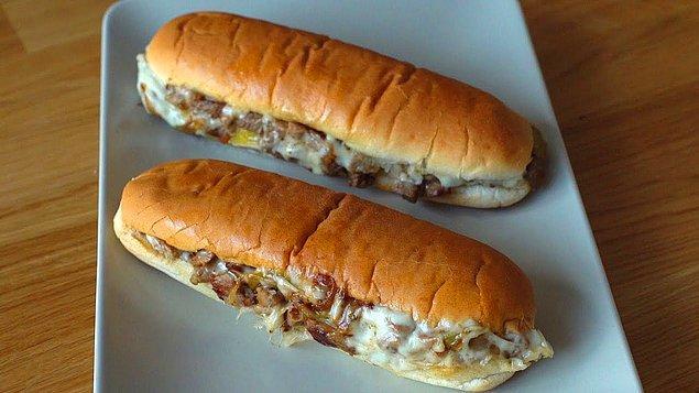 9. Ben bunu her gün yerim diyenlere: Cheesesteak Sandviç