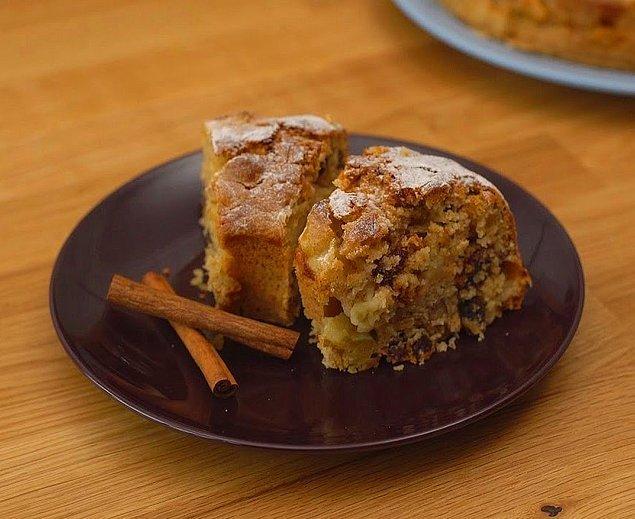 1. Pişerken kokusu tüm evi saracak: Elmalı Kek