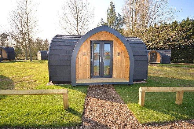 2. 'Ben çadırda kalamam' diyenler için doğa içinde bungalov konaklamaları da tercih edilebilir.