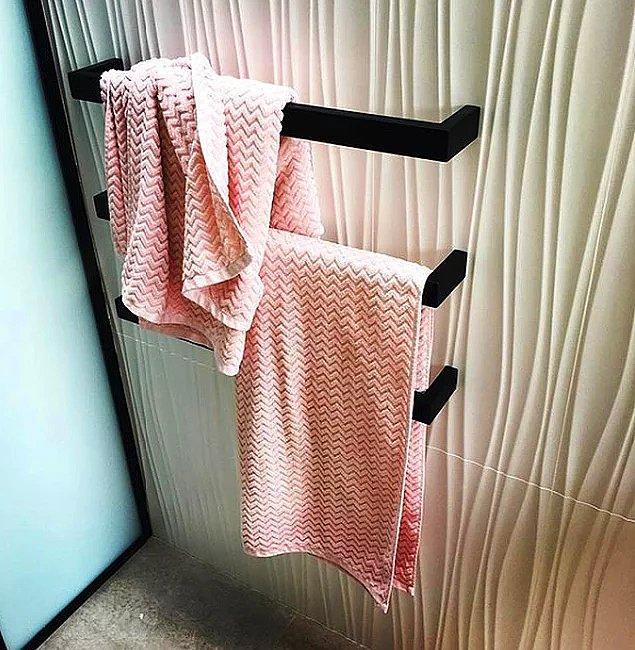 """15. """"Eşim havluyu üstteki şekilde asıyor, alttaki tabii ki benim."""""""