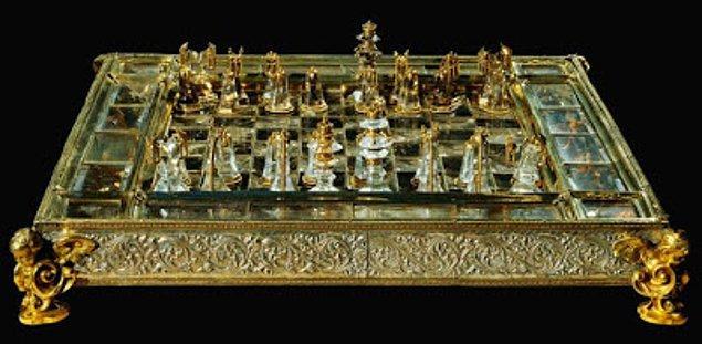 15. Yüzyılda Avrupa'da satranç özellikle soylular arasında iyiden iyiye yaygınlaşır.