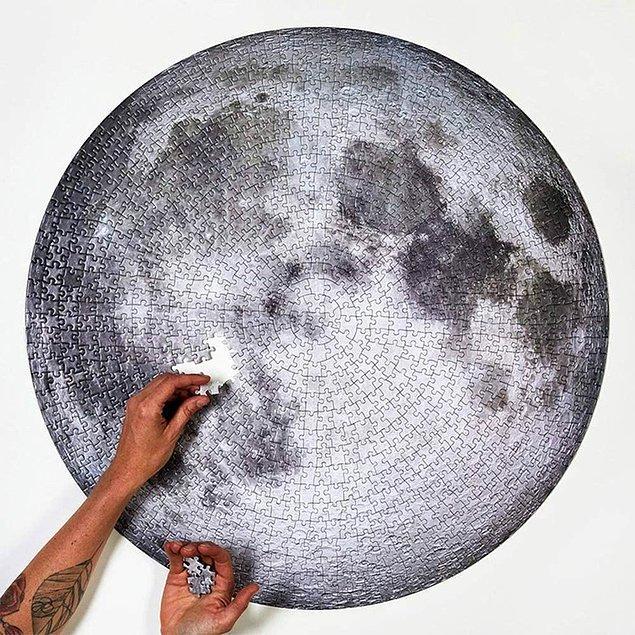 16. Son olarak, dolunayın bir görüntüsü eviniz için gerçekten muazzam bir dekor olacak!