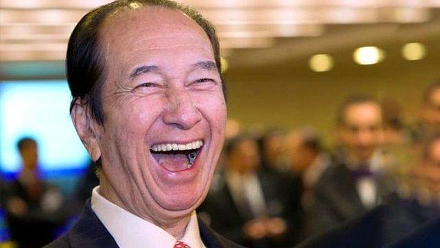 25 Kasım 1921'de doğan Ho, Hong Kong'un zenginlik ve sömürge döneminin ileri gelen dört ailesinden birinin çocuğu aynı zamanda varisiydi.