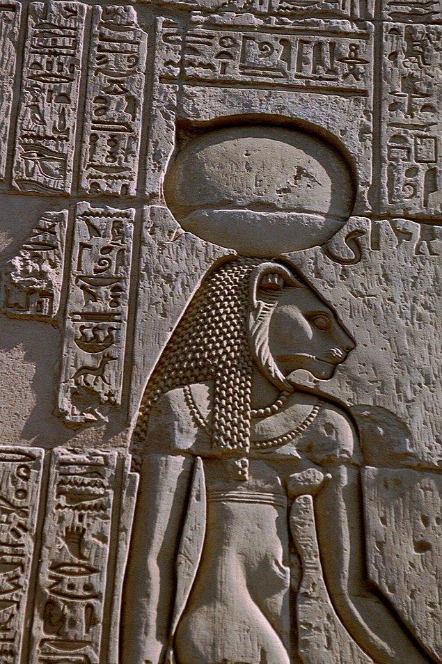 6. Antik Mısırda Yılan