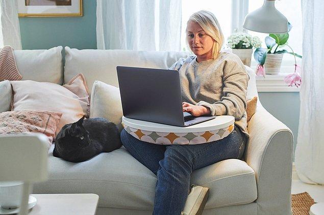 9. Masadan sıkılıp koltukta şöyle yaylana yaylana çalışmak isterseniz mutlaka bir laptop desteği alın derim.