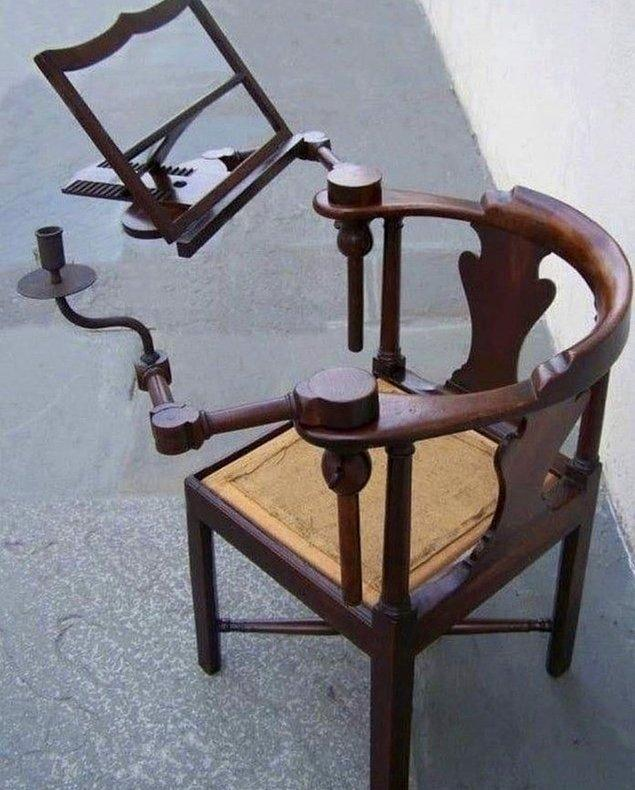15. Acil ihtiyaç olanlarda bugün: 18. yüzyıla ait bir okuma sandalyesi!