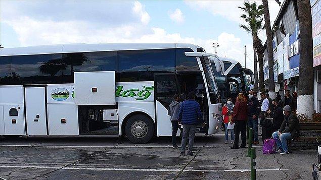 Otobüsler sefere hazır halde bekliyor