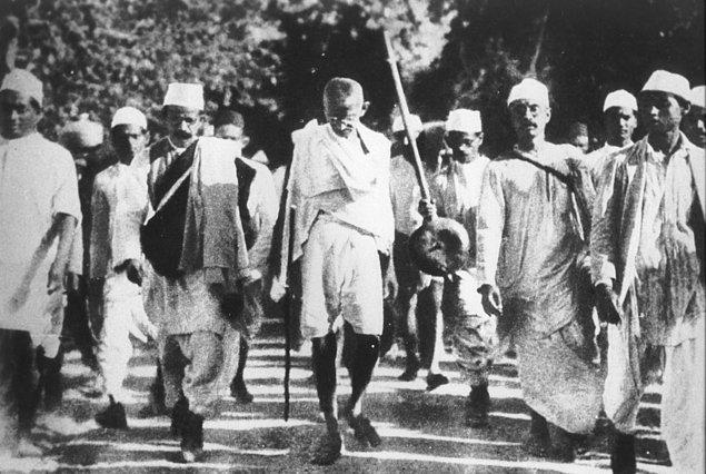 """Hindistan'ı bağımsızlığa taşıyan """"Tuz Yürüyüşü"""""""
