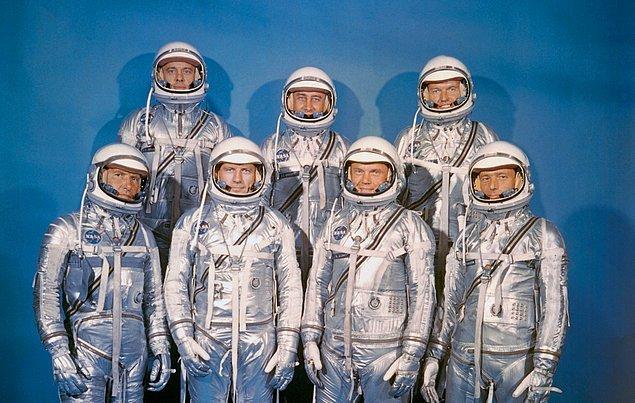 Merkür 7 Projesi'nin Astronotlarının 1959'da çekilmiş olan bu ünlü fotoğrafı Sullivan'ın hatırına kazındı.