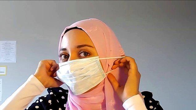 Bu dönemde yüz maskelerini takmakta en çok zorlananlar belki de başörtülü kadınlar.