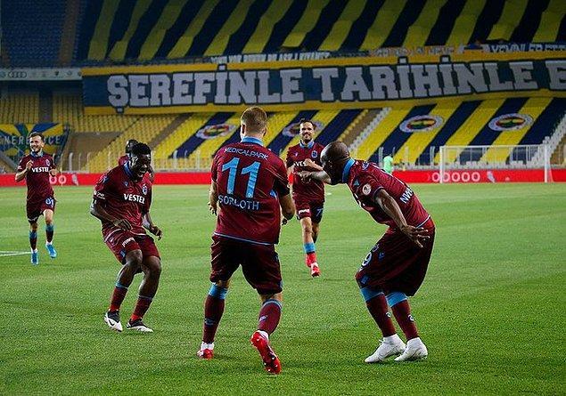 Trabzonspor, toplamda 5-2'lik skorla Türkiye Kupası'nda ilk finalist oldu.