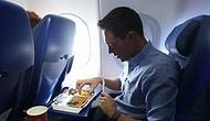 Эксперты озвучили список продуктов, которые нельзя есть в самолете