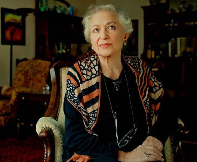 Hem edebi hem de siyasi duruşu dikkat çeken Leyla Erbil, 1996'da cezaevleri ve açlık grevlerine dikkat çekmek için yayımladığı bildiriyle birçok şair ve yazardan imza topladı.