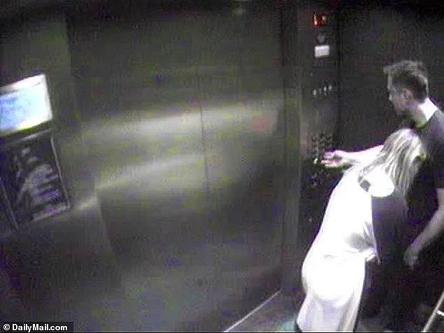 Önce Amber Heard'ün kendisini Elon Musk ile aldattığını iddia edip, kendi evinin asansöründe çekilen fotoğrafları kanıt olarak sunmuştu.