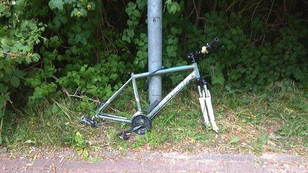 """3. """"Bu benim bisikletim. Tam 6 dakika önce bıraktım buraya."""""""