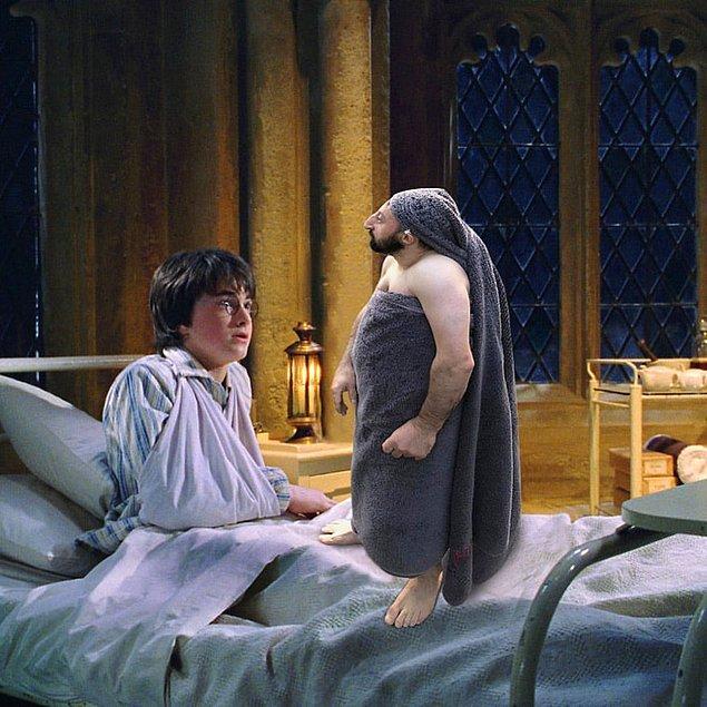 6. Efendisi Dobby'e bir hamsi verdi.