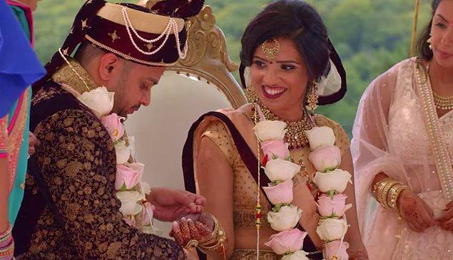 Konusu birçoğumuzun alışkın olduğu evlendirme programlarına benziyormuş gibi gözükse de aslında pek de öyle değil.