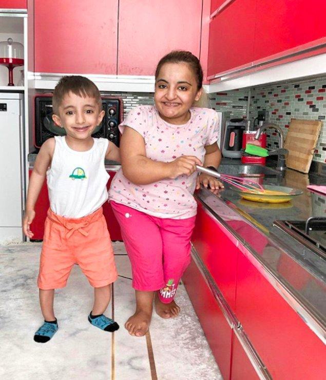 Skolyoz hastası Ayça ve cam kemik hastası Mesut Özeker çiftini birçoğunuz biliyorsunuz. Geçtiğimiz yıllarda da Murat isminde bir çocukları oldu.