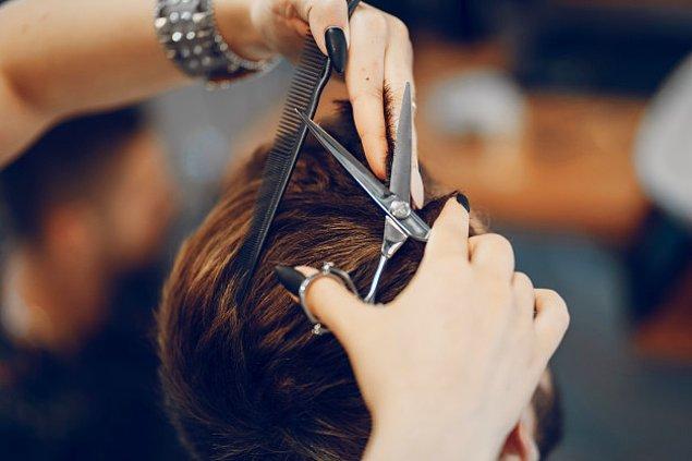 14. Hindistan'da perşembe ve cumartesi günleri saç kesilmez, büyük uğursuzluk getirir.