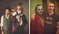 24 фото знаменитых голливудских актеров, стоящие рядом со своими культовыми ролями