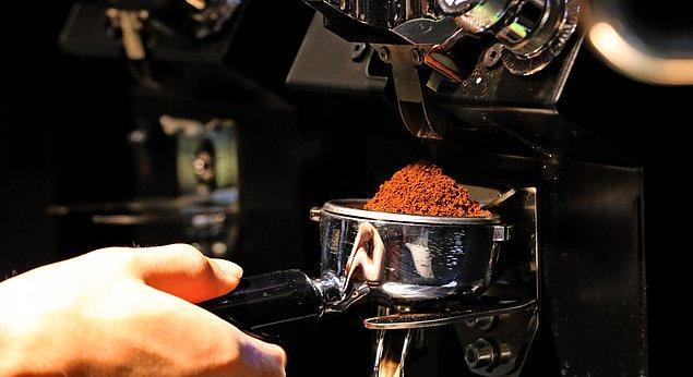 8. Coffee Sumatra, 3'üncü nesil kahveleri de göz ardı etmemiş. 3'üncü nesil teknikleriyle demlenen  kahveleri mutlaka denemenizi tavsiye ediyoruz.