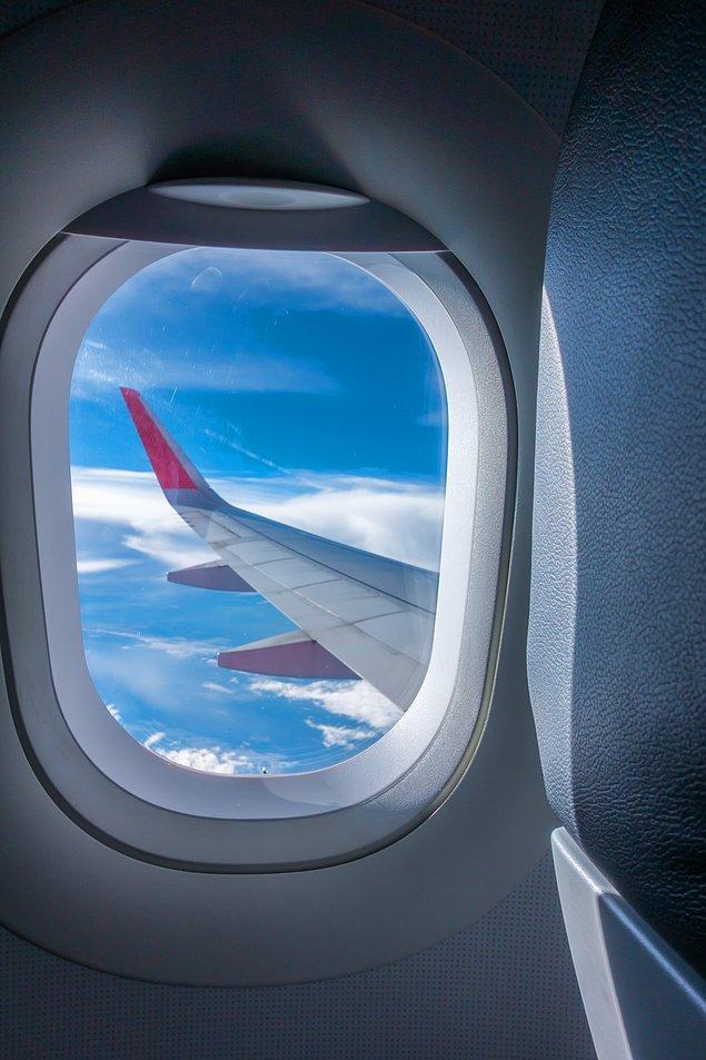 10. ''Uçaktaki en güzel manzara her zaman pencereden görünen kanat olabilir mi?''