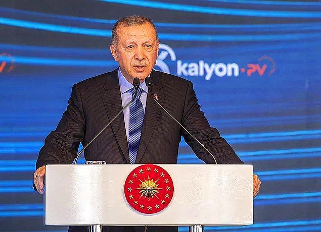 """Cumhurbaşkanı Erdoğan, """"Türkiye'de yeni bir dönemin açılacağına inanıyorum"""" diyerek cuma günü bir müjde açıklayacağını söylemişti. Bunun üzerine de sosyal medyada """"acaba petrol mü bulduk? tahminleri yapılmıştı."""