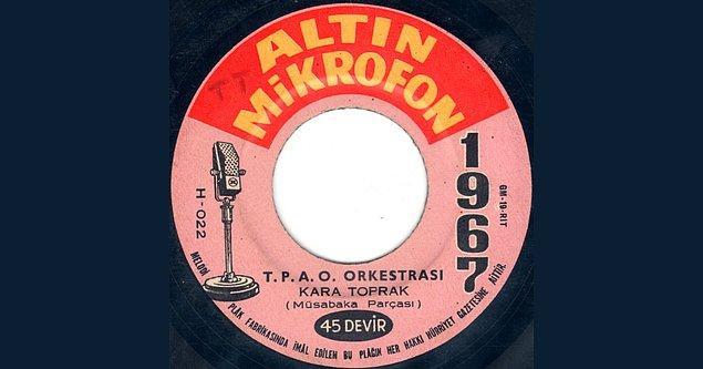1968'de Hürriyet'in düzenlediği Altın Mikrofon Yarışması finalinde Haramiler, Erkin Koray ve Moğollar'ı geride bırakarak birinci oldular.