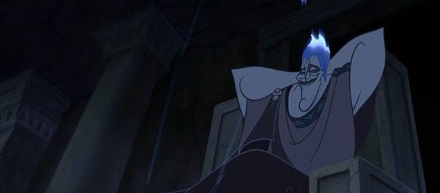 5. 'Herkül' filminde Herkül, Hydrayla savaşırken Hades'in izleyiciye 'Çocuklar sakin olun. Bu daha yarısı.' dediği sahne filmin gerçekten de tam olarak yarısına denk gelmektedir.
