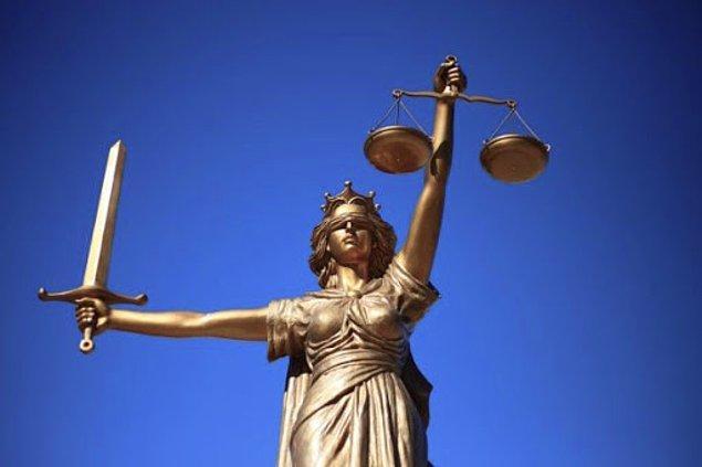 Benim devletimle yaptığım toplumsal sözleşmede adaletin yazılı olduğuna inanıyorum.