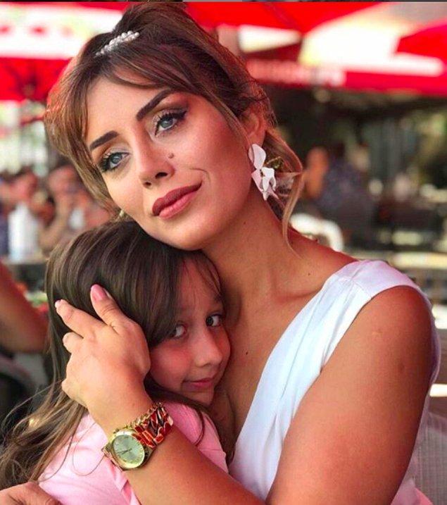 Türkiye'nin ilk blog yazarlarından olan Serap Oğuz Tan, kurumsal kariyerini geride bırakarak bit anne olarak, kızı Tanem'le birlikte rol model alınan bir sosyal medya profili yaratmayı da başardı.