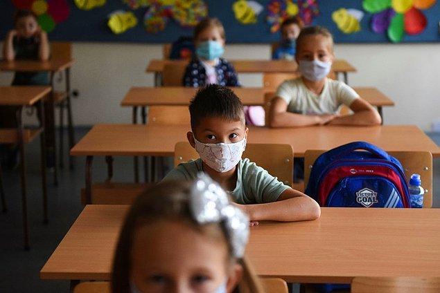 Rusya'da da tüm okullar bugün yeniden açıldı.