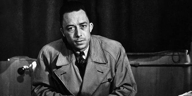 Camus'ye geri dönecek olursak, o iki tür Sisifos hayal ediyor.
