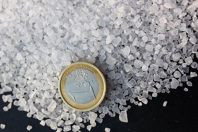 15. Roma İmparatorluğu döneminde tuz, son derece yaygın bir para biçimiydi.