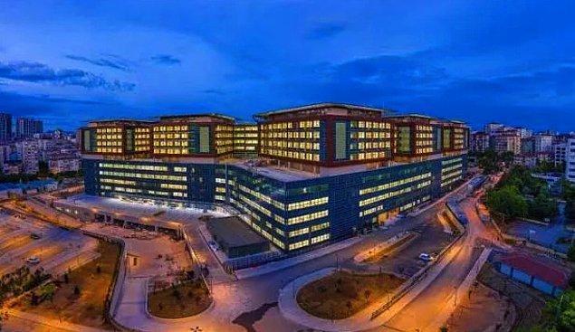 İstanbul Göztepe'de yapımı tamamlanan Göztepe Şehir Hastanesi, bugün Cumhurbaşkanı Erdoğan'ın katılımı ile hizmete açıldı.