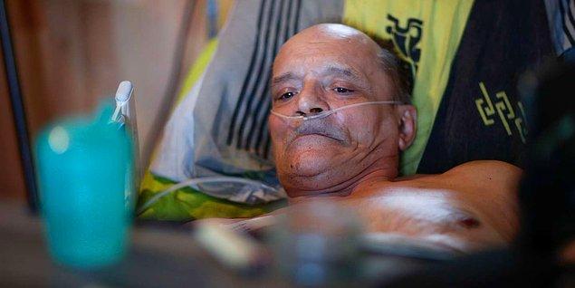 Cocq, ölümünü yayımlama kararını destekleyen takipçilerine, Facebook'a karşı lobi oluşturması çağrısı yaptı.